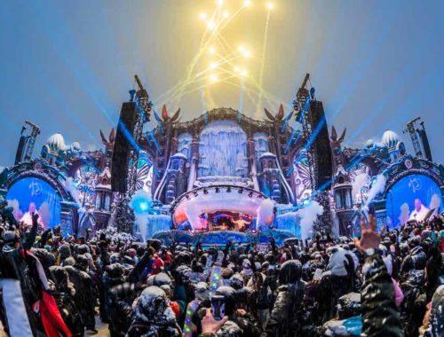 tomorrowland-winter-stage-fireworks